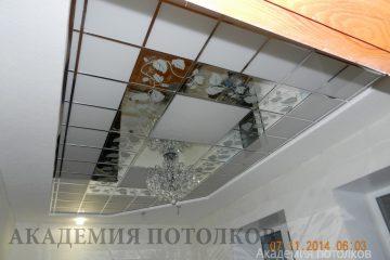"""Матово-зеркальный потолок с декором """"Лоза"""""""