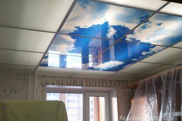 """Матовый потолок с фотопечатью """"Небо"""" в спальне."""
