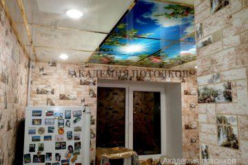 """Кассетный матовый потолок с фотопечатью """"Яблоневый сад""""."""