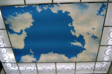"""Потолок с декором и фотопечатью """"Небо"""""""