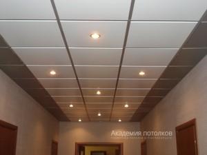 Кассетный потолок металлический белый 60х60 на системе супер-хром или супер-золото