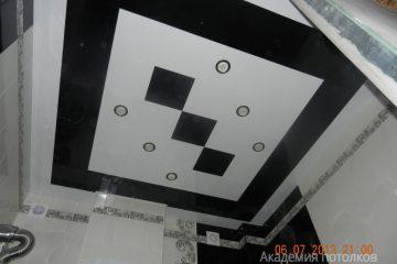 Кассетный потолок 300х300мм на скрытой подвесной системе черно-белый