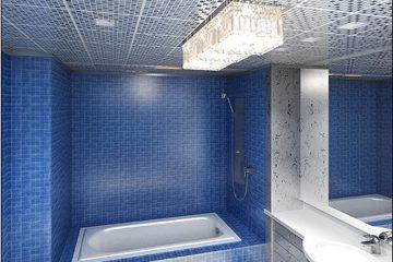 Кассетный потолок 30х30 на скрытой подвесной системе мозаика серебро в ванной