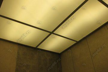 Потолок из матового стекла в туалете с подсветкой подвесная система белый матовый
