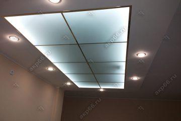 """Потолок в комнате из матового стекла с подсветкой подвесная система """"суперз"""""""