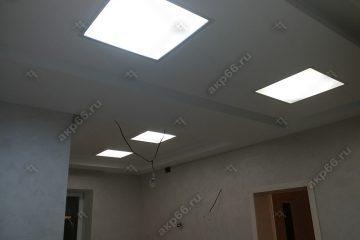 Матовое стекло на потолке с подсветкой