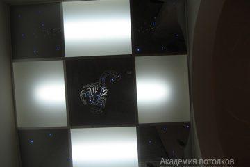"""Комбинированный потолок со вставками типа """"Звездное небо"""""""