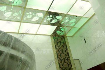 """Декоративный потолок """"Лоза"""" с подсветкой в ванной комнате на золотом системе"""