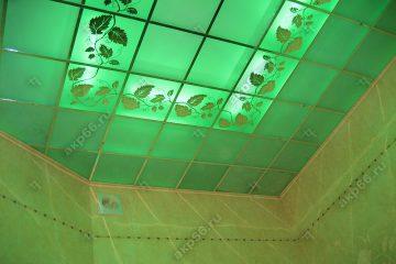 """Декоративный потолок """"Лоза"""" с подсветкой в ванной комнате на хромированное системе"""