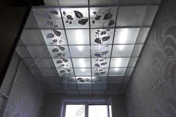 """Декоративный потолок с подсветкой в кухне подвесная система """"суперхром"""""""