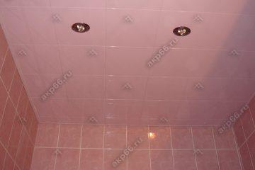 Кассетный потолок 300х300 мм на скрытой подвесной системе, белая глянцевая