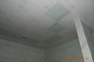 Кассетный потолок 300х300 мм на скрытой подвесной системе, белый мрамор с голубым мрамором