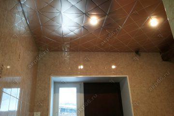 Кассетный потолок в ванной комнате матовое золото на скрытой подвесной системе