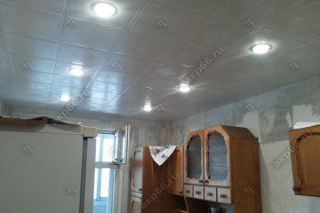 Кассетный потолок на кухне Букет на скрытой подвесной системе