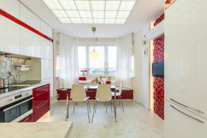 Потолок с подсветкой на кухне из оргстекла (Акрил)