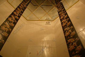 Зеркальный потолок в туалете подвесная система супер-золото