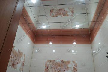Зеркальный потолок в ванной комнате каркас суперхром