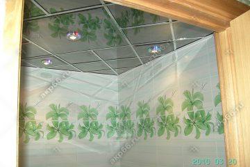 Зеркальный потолок в ванной комнате Графит по диагонали подвесная система суперхром