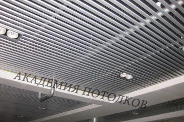 Потолок из вставки металлик - 2