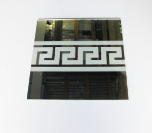 """Орнамент №0103/1 295x295 мм (Серебро) Прямой элемент зеркальный фон """"Меандр-средний"""""""
