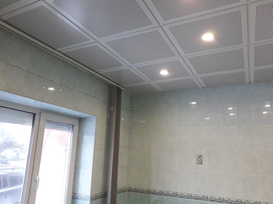 Подвесной потолок для бассейна